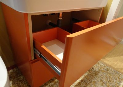 mueble baño naranja (1)