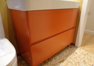 mueble baño naranja (2)