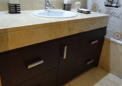 Mueble de baño color wengué